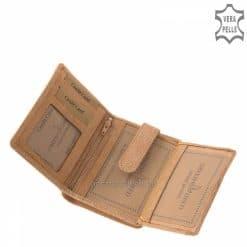 Minőségi bőrből készült vintage hatású pasztell színű, közepes méretű női bőr pénztárca, igényes GreenDeed márkajelzéssel a fedelén.