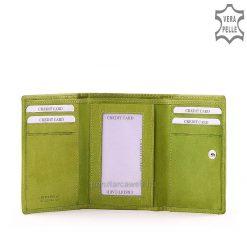 SLM márkajelzésű kisméretű praktikus női bőr pénztárca valódi bőrből nvilágos zöld színben, a fedlapon varrott dizájn elemmel.