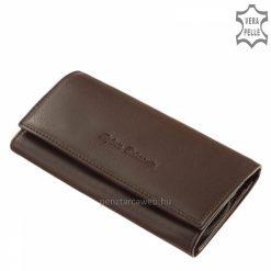 Brifkó nagy méretű, barna színű, klasszikus női bőr pénztárca kellemes tapintású igazi marhabőrből gyártva. Díszdobozos termékünk.