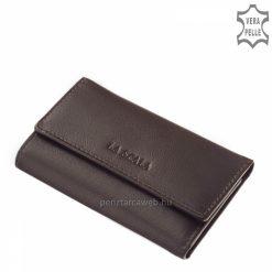 Praktikus, könnyű felhasználást biztosító La Scala barna bőr kulcstartó modell, mely minőségi, finom tapintású valódi nappa bőrből készült.