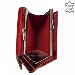 Csodálatos piros színben készített, mintás felületű, minőségi női divat pénztárca modell, mely minden női táskában kényelmesen elfér.