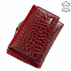 Csodálatos piros színben készített, kisebb méretű, mintás felületű női minőségi bőr pénztárca modell, mely igazi divat kiegészítője lehet.