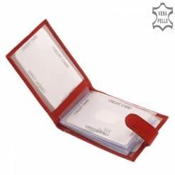 LA SCALA márkás piros színű bőr kártyatartó fekvő formátumban, fedele praktikus külső átkapcsolóval záródik. Pénztárcával kombinálva tökéletes
