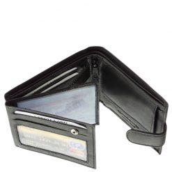 Tesselo márkás, puha tapintású valódi bőr alkalmazásával készített divatos férfi pénztárca, melyet fekete színben kínálunk áruházunkban.