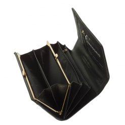 Az aktuális divat követőinek ajánljuk ezt a fekete színű, minőségi GREGRIOO márkás női pénztárca modellt. Díszdobozos kivitelben készült.