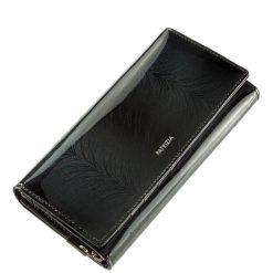 Minőségi PATRIZIA márkás női pénztárca, melyet az aktuális divat követőinek ajánljuk a tárca fekete színű lakk bőr felhasználásával készült.